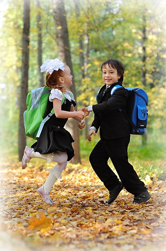 Картинки идет в школу осенью