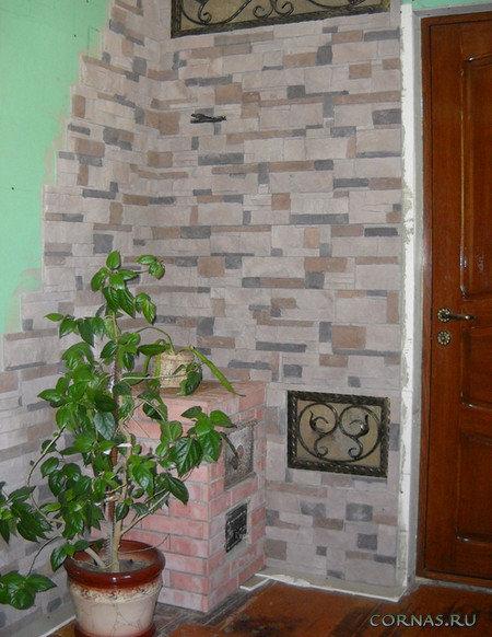 Отделка прихожей декоративным камнем. Обстановка на входе в квартиру будет стильной и уютной, если стены украсить декоративным камнем.