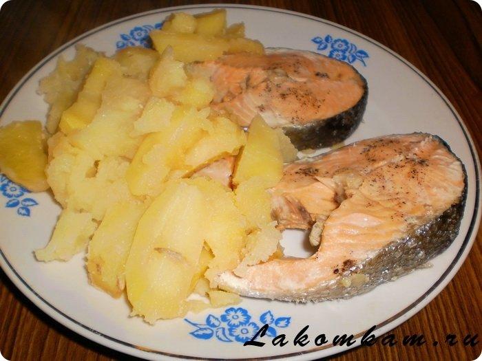 Когда есть мультиварка, можно приготовить диетическое блюдо из кижуча на пару.