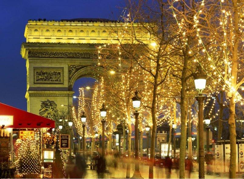 Париж Новогодний: Триумфальная арка