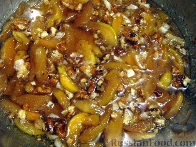 Рецепт варенья из айвы с орехами