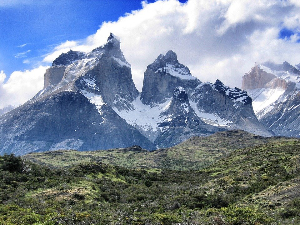 """patagonia latino personals """"if it's broke, fix it"""" is a patagonia company motto, and the company takes the motto seriously it has operated a recycling and repair program, worn wear, in various permutations since."""