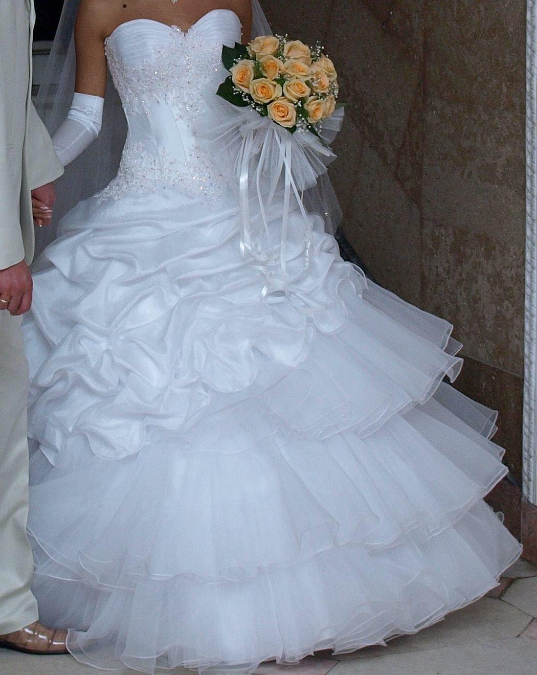 хочется, тобы свадебные платья картинки без лица ждет высокое