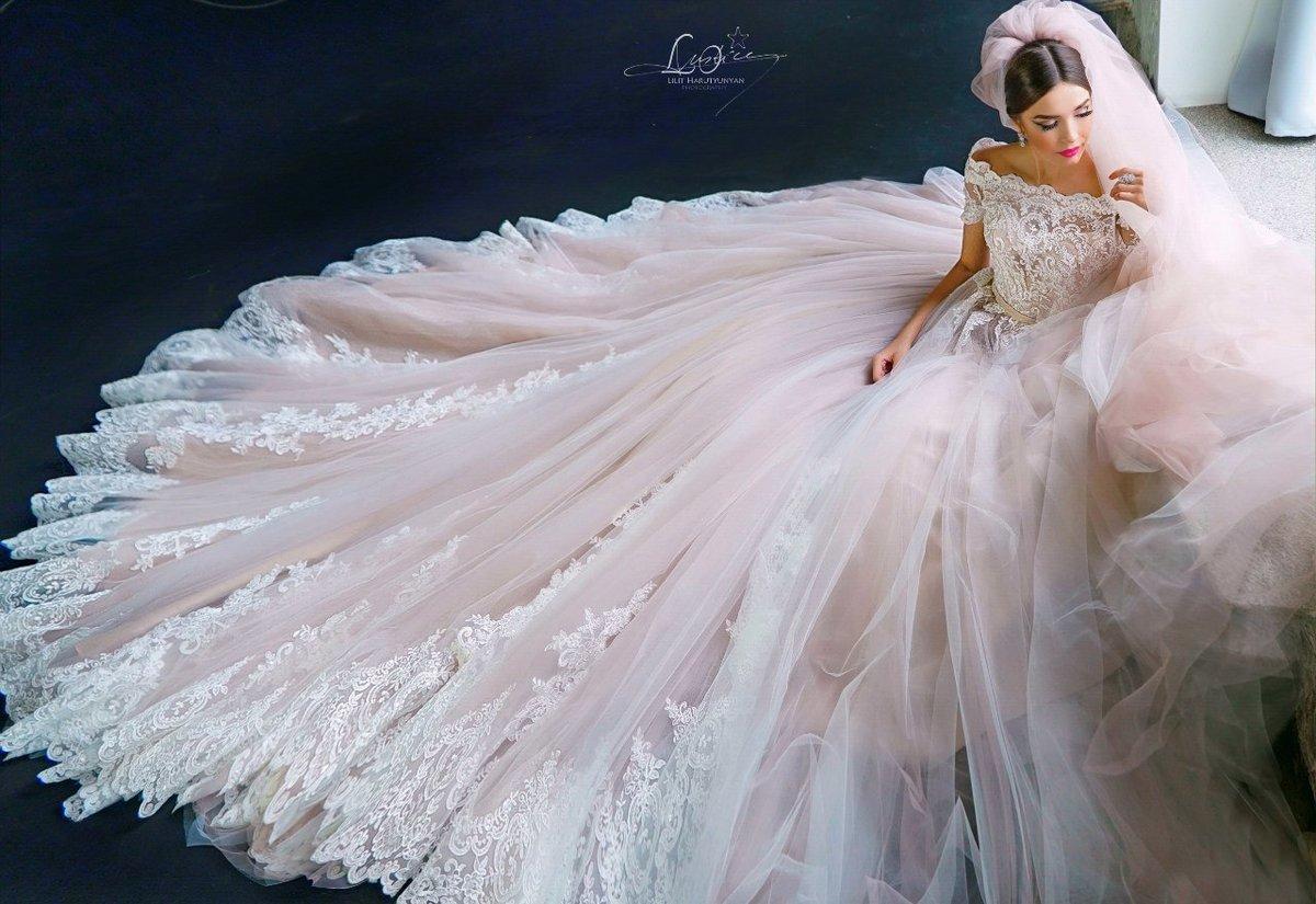 Самое красивое платье невесты фото