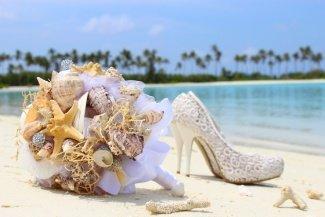 морскою букет и туфли