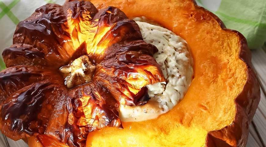 Обожаю тыкву с начинками, очень вкусно, я уже два раза делала, первый - с грибами, второй с мясом.
