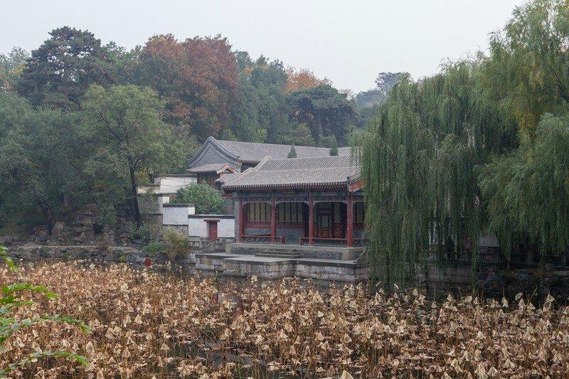 Парк Ихэюань в Пекине (Летний дворец) - жемчужина садово-паркового искусства, объединившая в себе лучшие традиции парков и садов Китая.