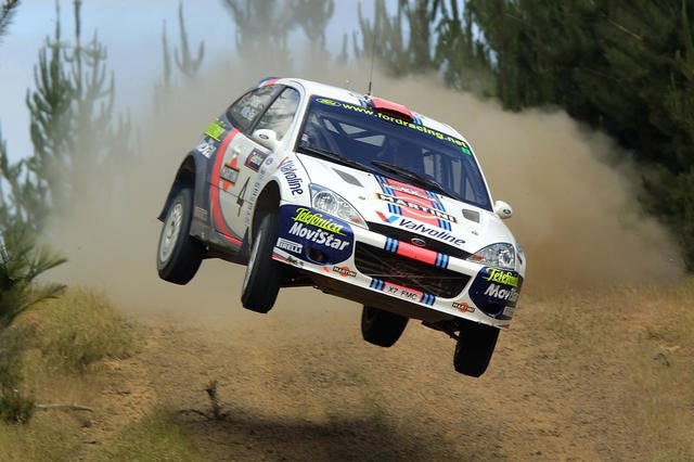 Ford Focus WRC в полёте