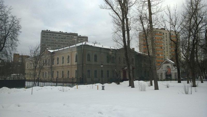 Не все ещё здания Рогожского поселка отремонтированы