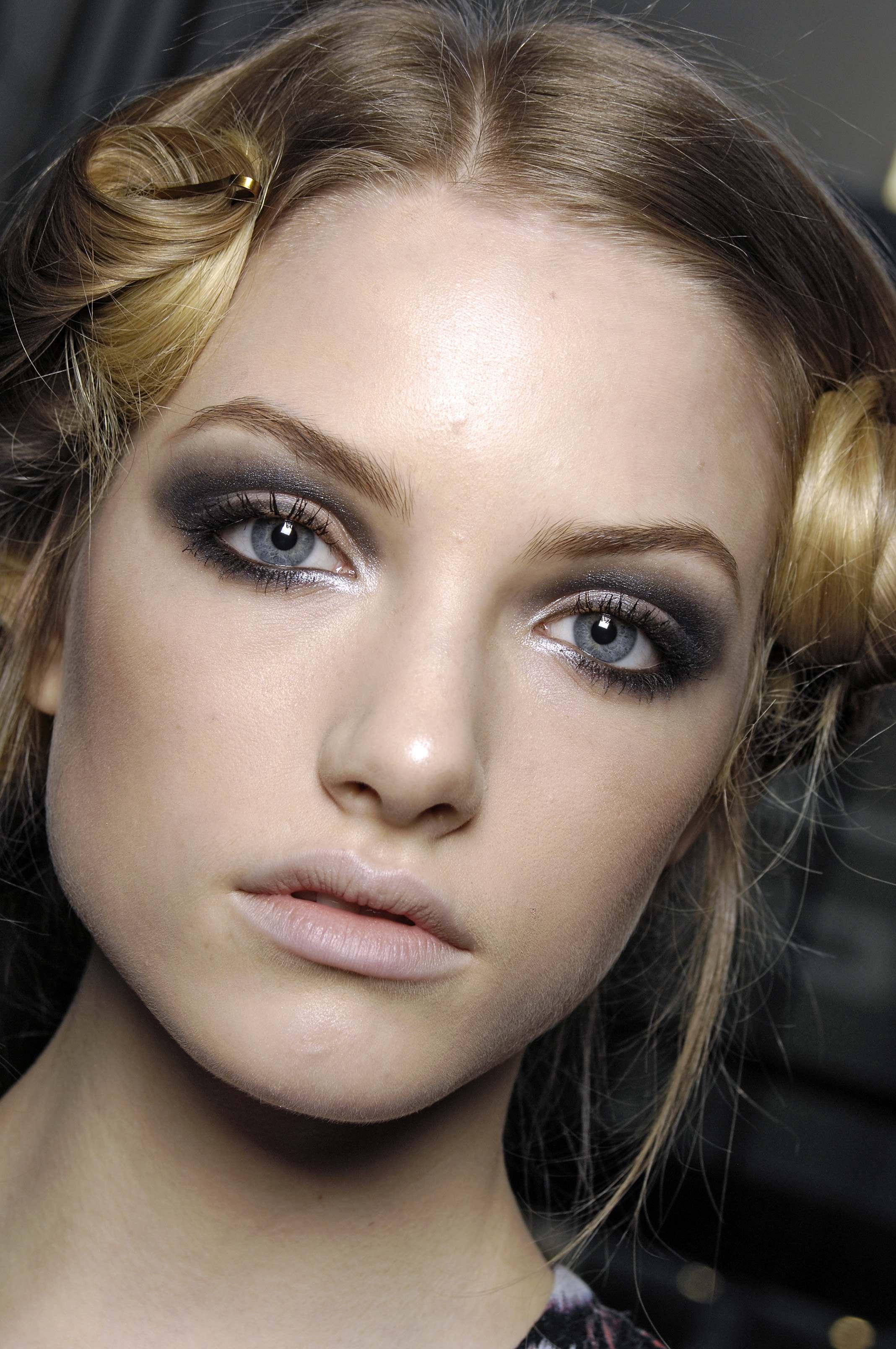 Smokey Eye Makeup Steps For Blue Eyes Card From User Svetkakicul