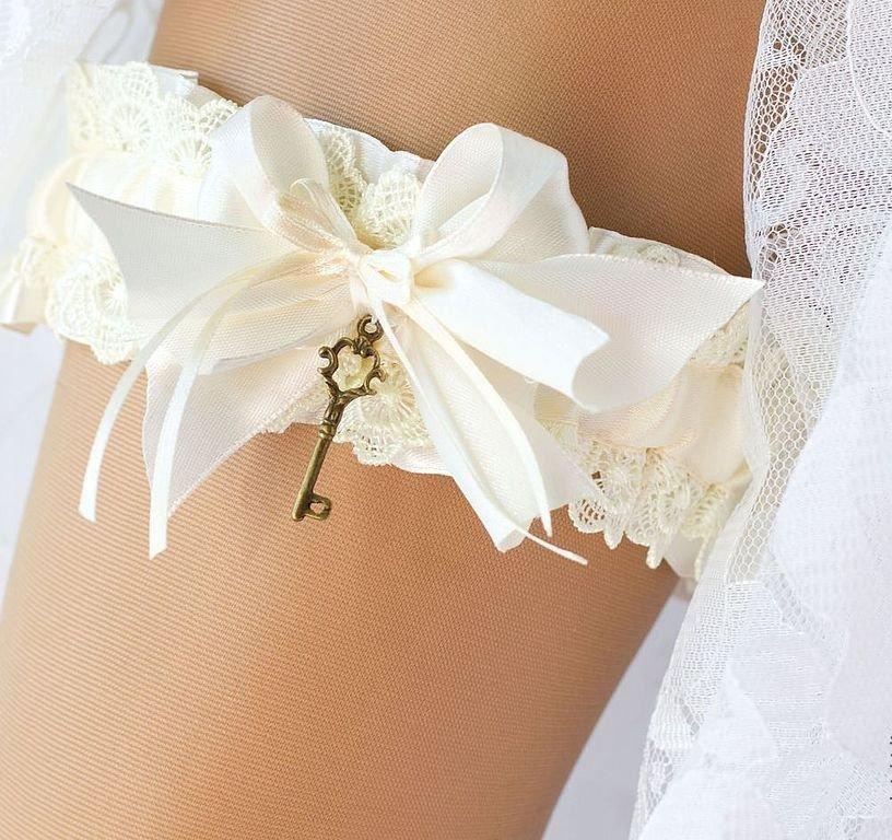 Свадебная подвязка картинки