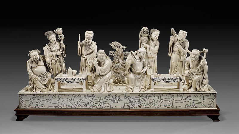 В Китае резьба по слоновой кости известна еще с доисторических времен. На раскопках развалин столицы династии Ин, существовавшей 3700 лет назад, были обнаружены…