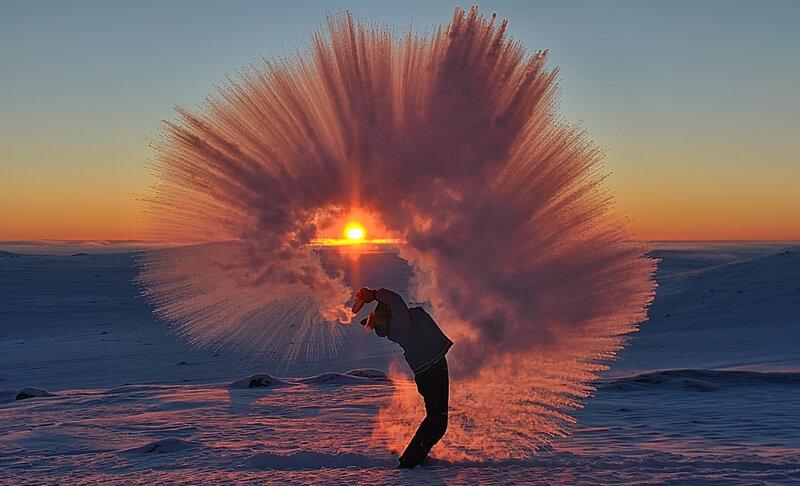 Брызги горячего чая рядом с Полярным кругом