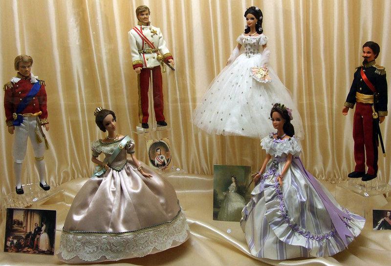 исторические костюмы для кукол
