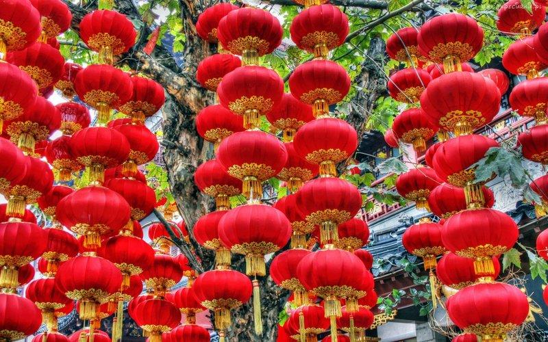 Новогодние китайские фонарики.