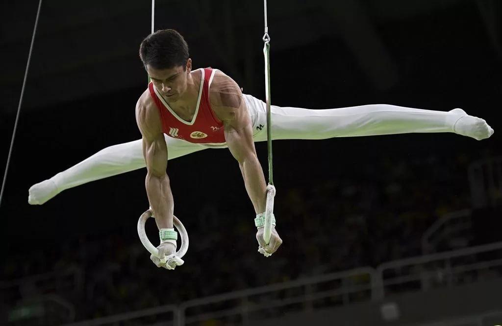 фото атлетичных гимнастов домой