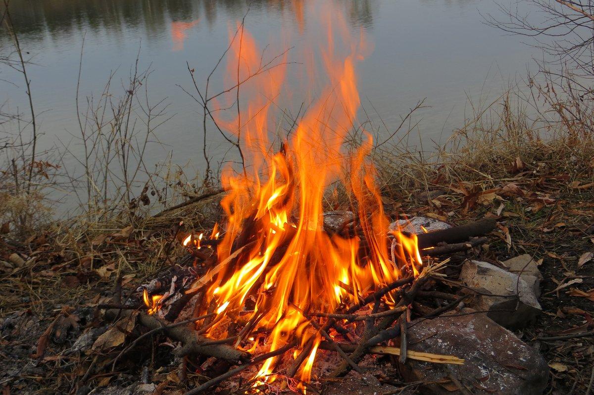 картинка горящий костер