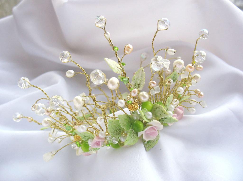 Название фото, цветы с бусинами