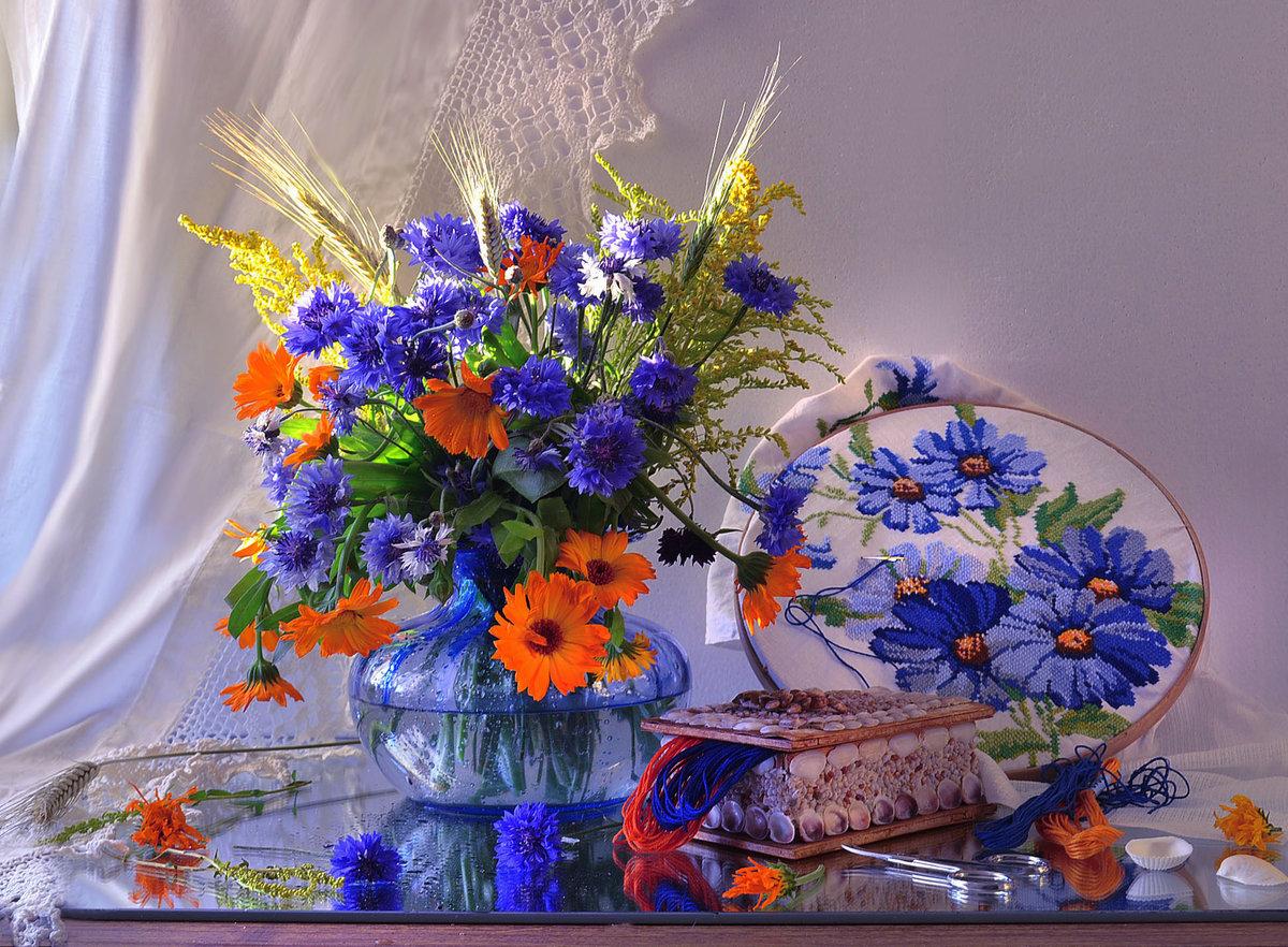 Открытки с васильками в стихах для женщин