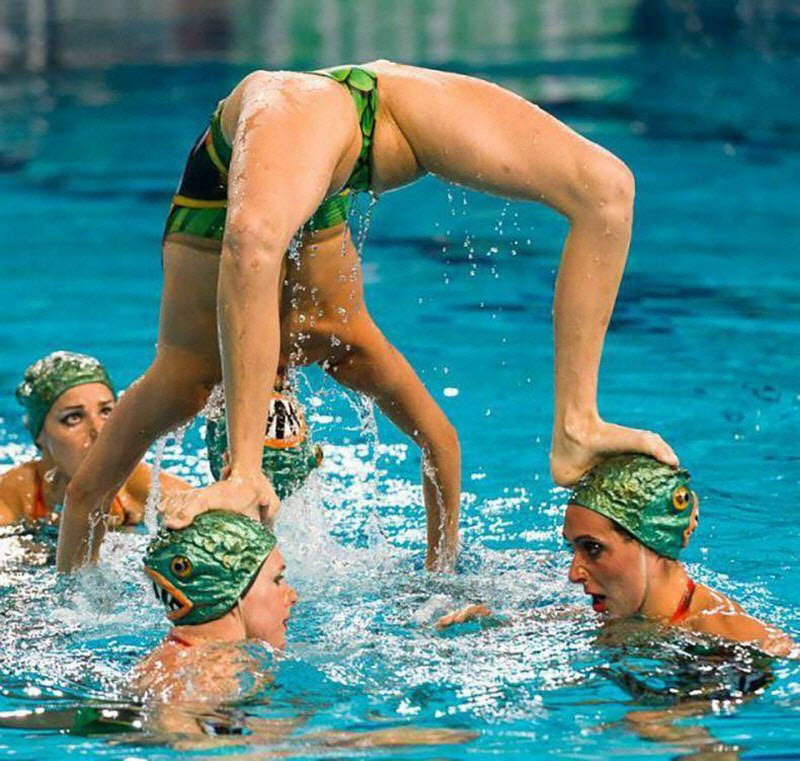 female-synchro-swimming-nude-nakes-butt-women
