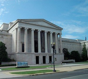 17 марта 1941 г. В Вашингтоне открылась Национальная художественная галерея