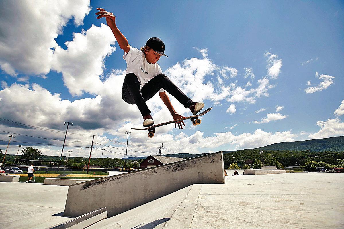 Картинки человек с скейтом