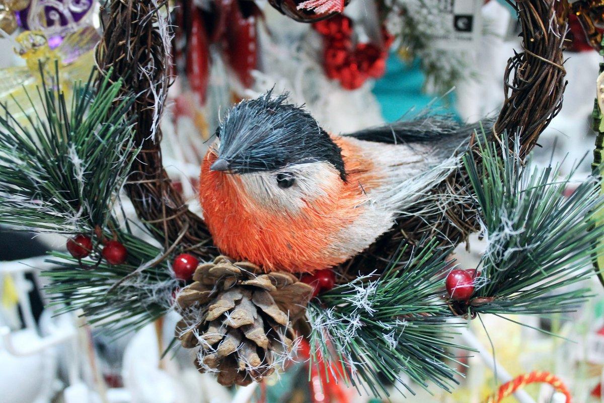этой фото новогодняя елка с птичками всему этим людям