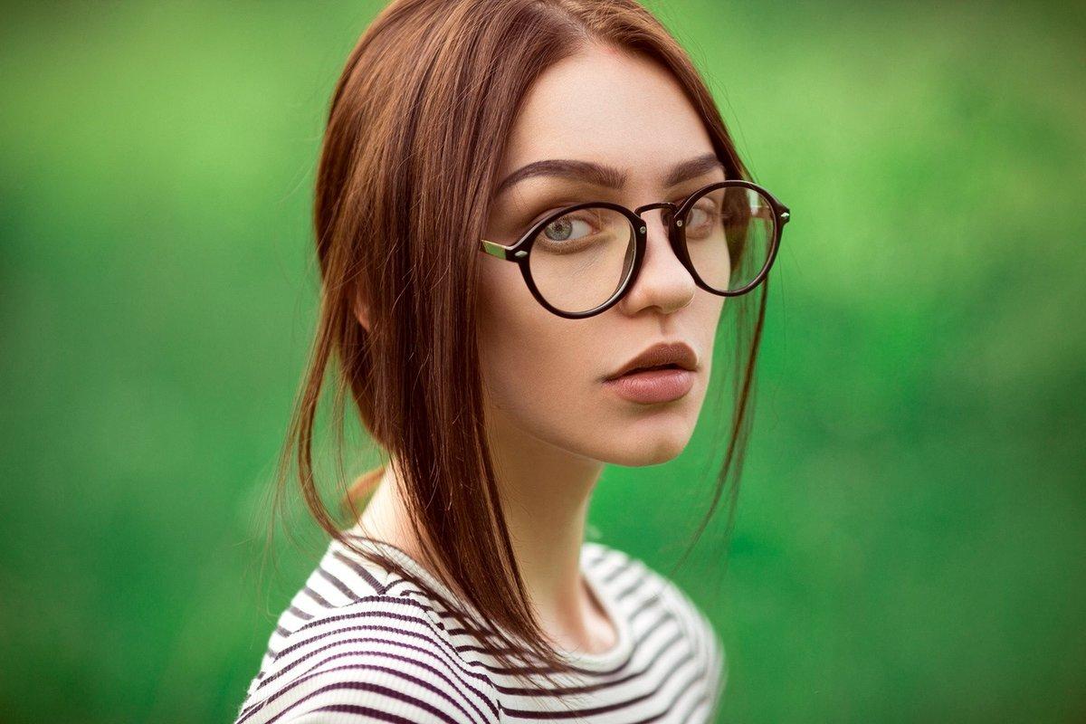 Годиком девочке, картинки с очками для зрения красивые