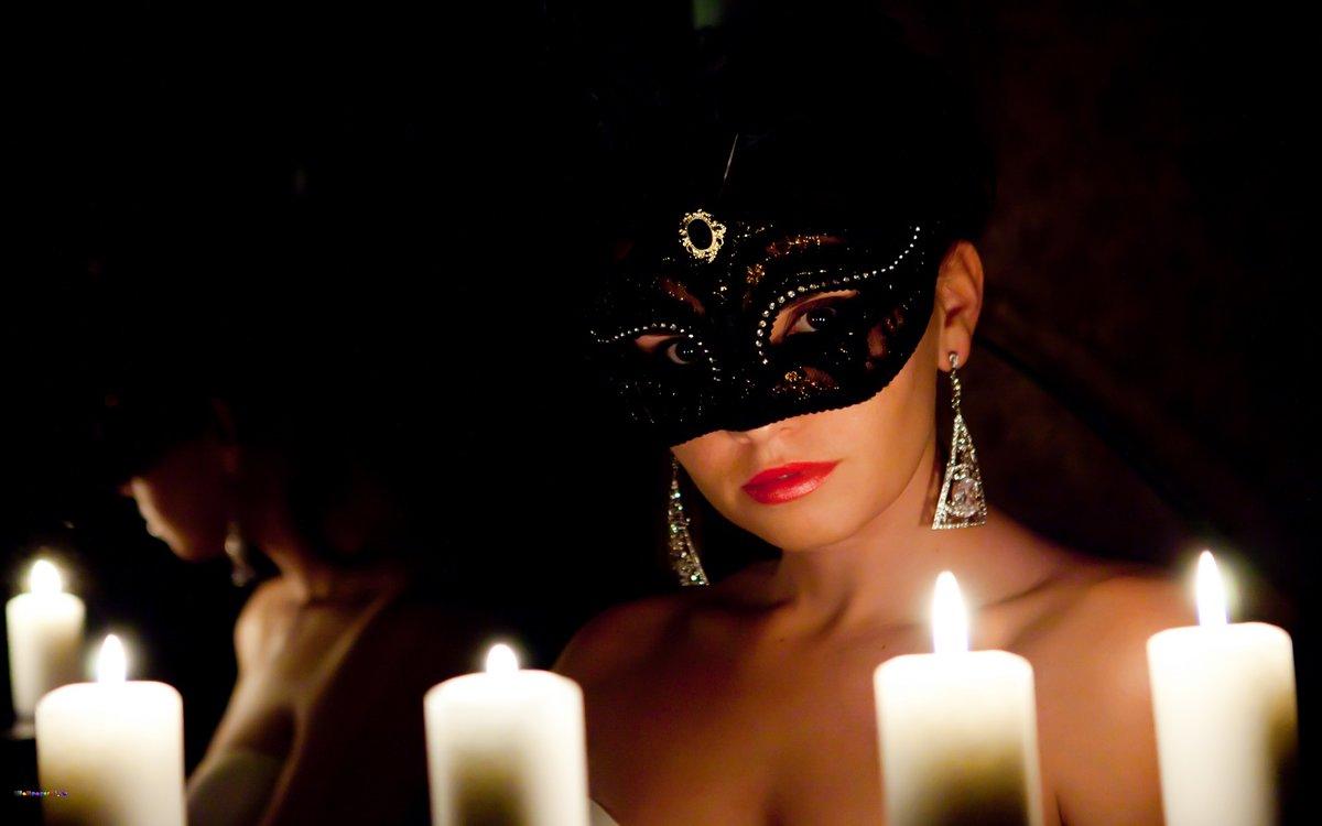 foto-bryunetka-v-maske-chitat-onlayn-bulvar-erotiki