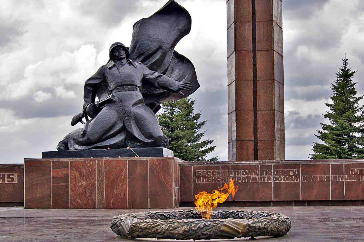 Картинки памятник ко дню победы