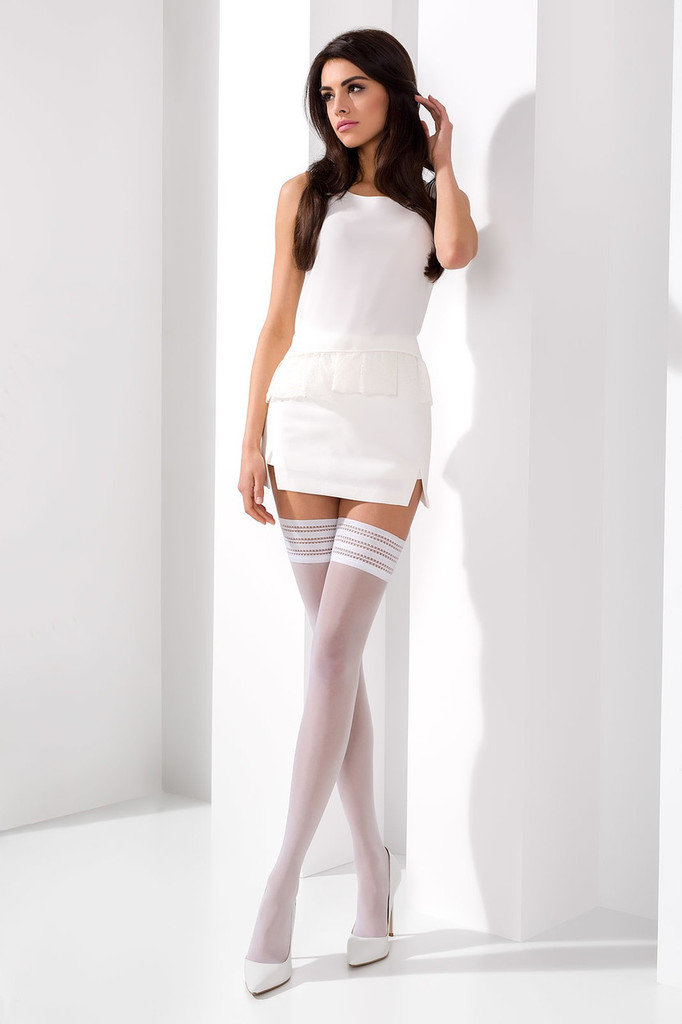 Скрытые белая юбка белые чулки порно