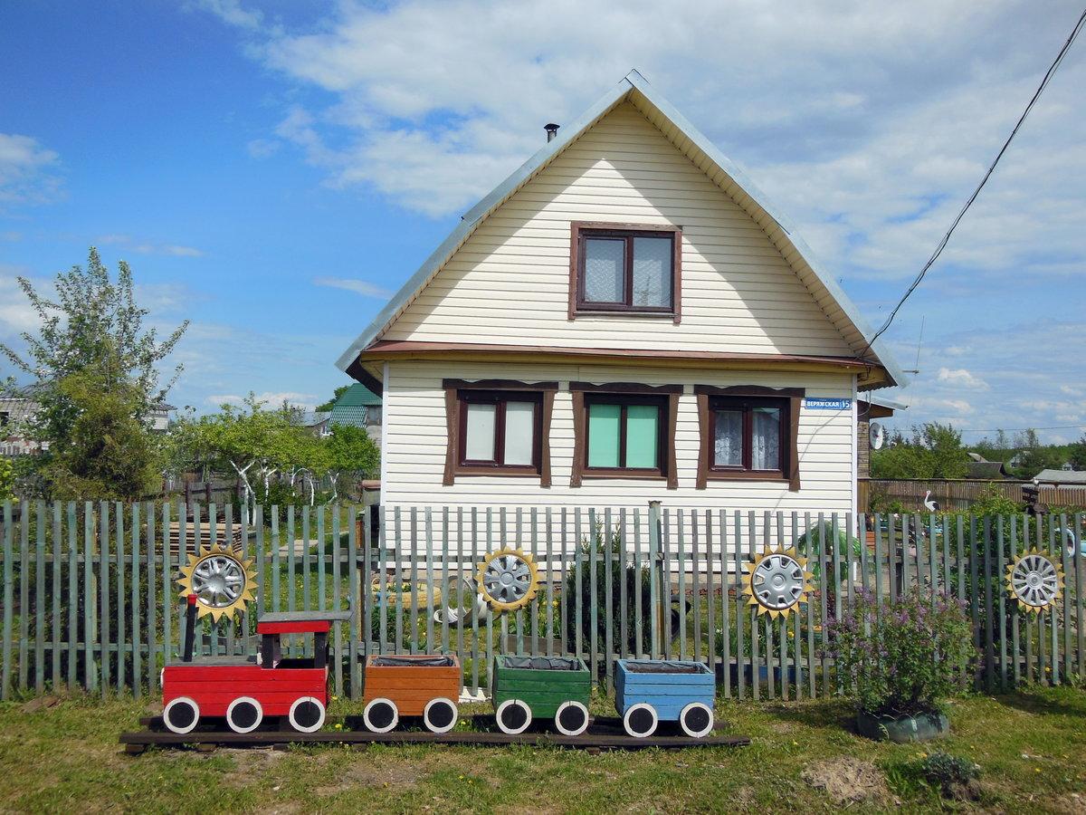 протяжении простой деревенский дом в картинках это смесь желтого