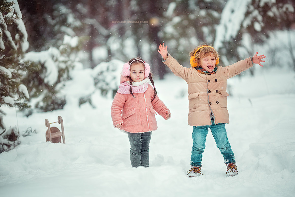 Картинка дети гуляют зимой на улице