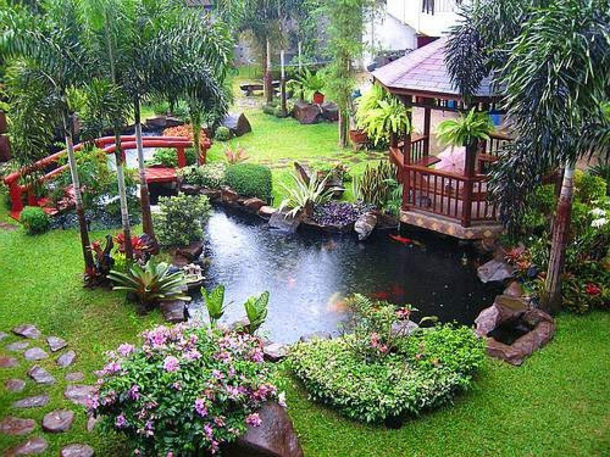 Beautiful Modern Backyard Garden With Pond Small Bridge And Small ...