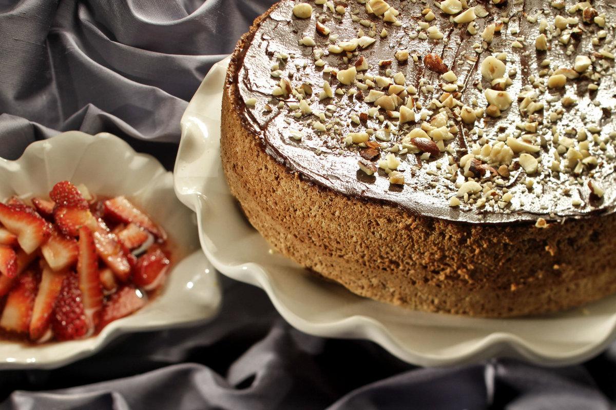 Картинка орехового торта