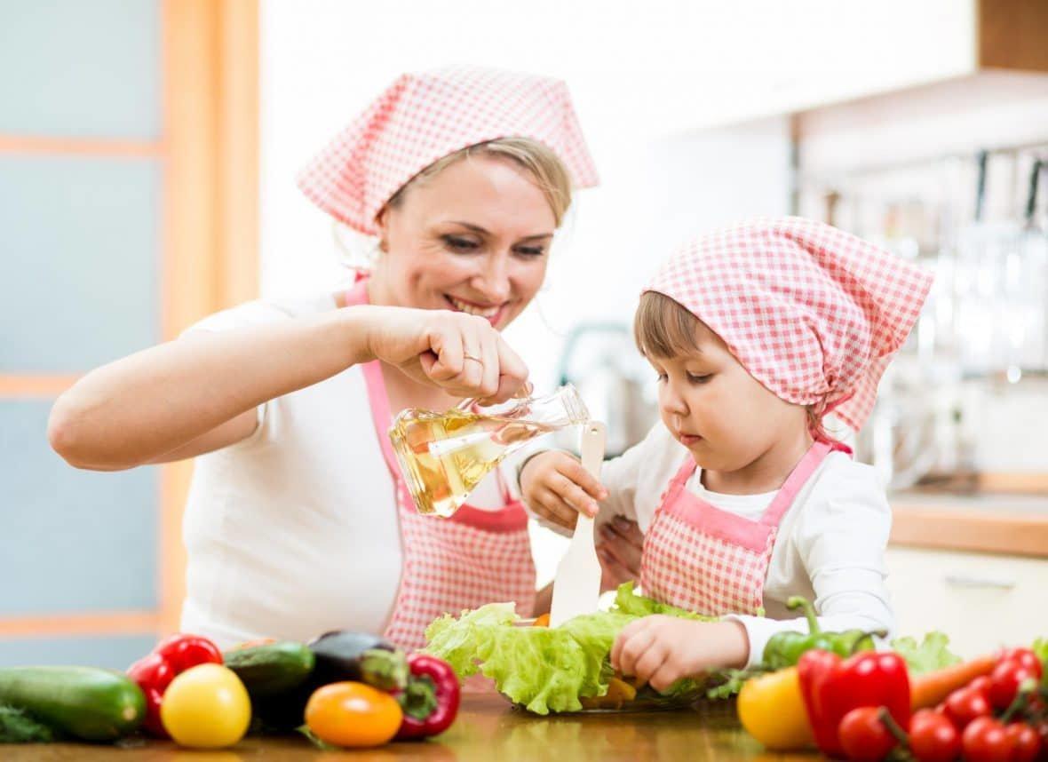 Обязанность каждой мамы – научить свою дочь готовить. Впрочем ...