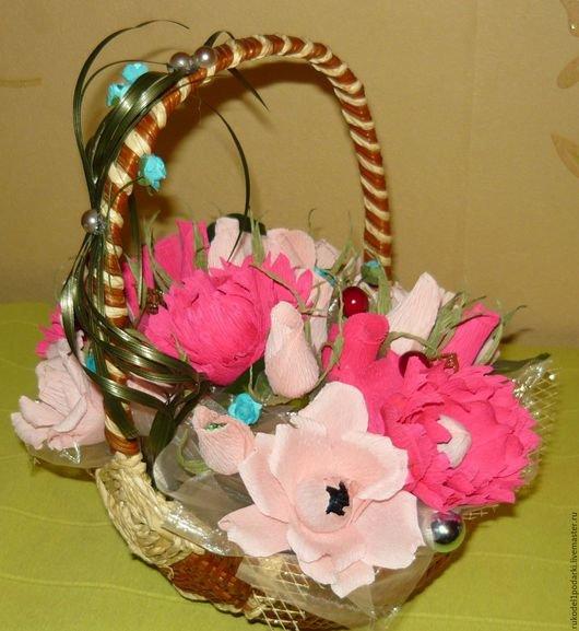 Сладкая корзинка бумажных цветов