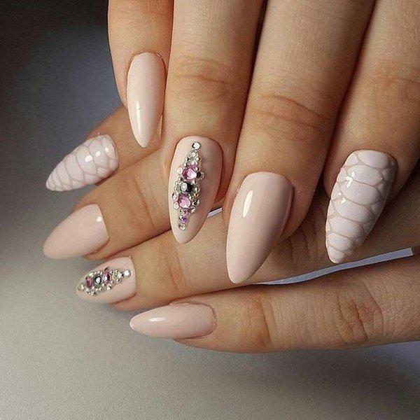 Идеи ногтей со стразами фото