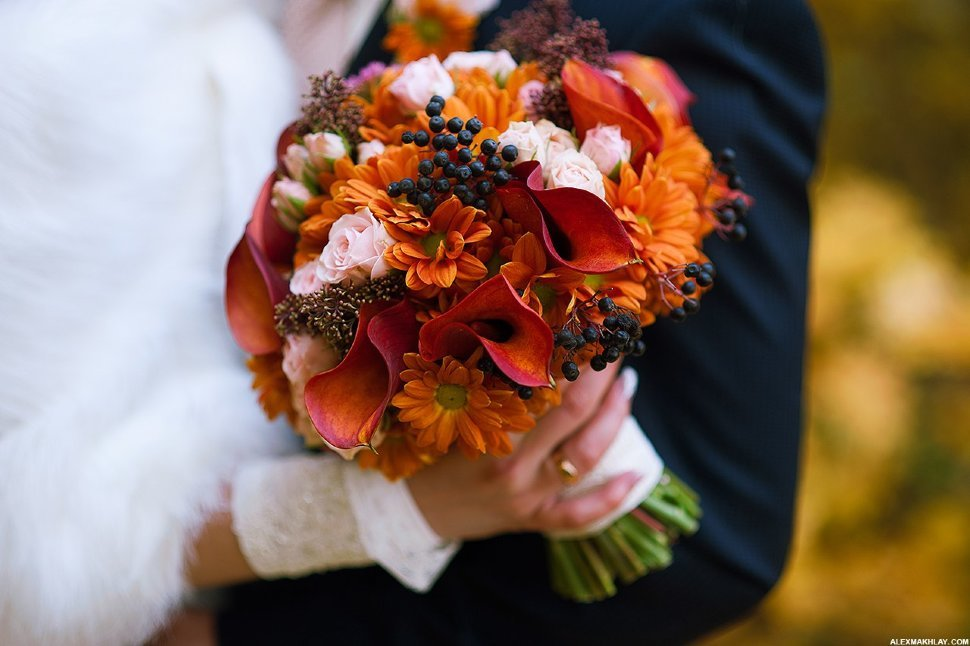Букет невесты с осенними листьями
