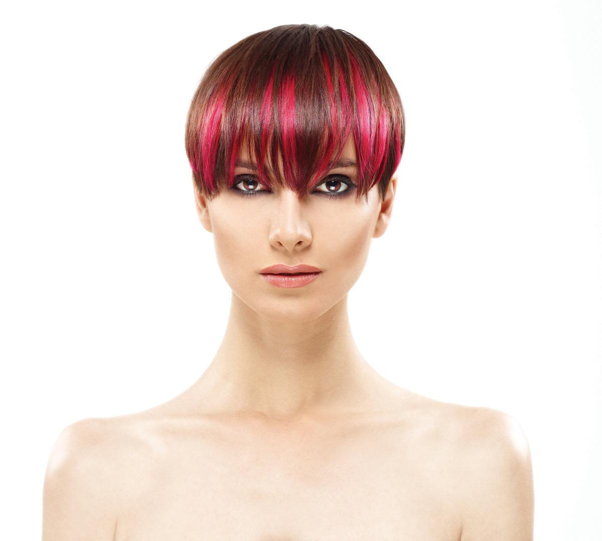 Оно оживит природный цвет волос, обогатит его естественным переходом цветовых оттенков, сделает образ стильным и экстравагантным.
