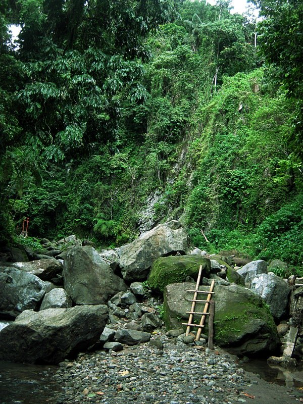 30-метровый водопад Касароро