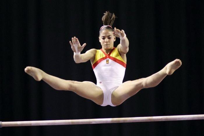 видео киски гимнасток