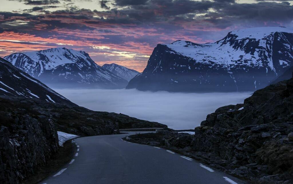 скандинавия горы пейзажи фото проходит главное карнавальное