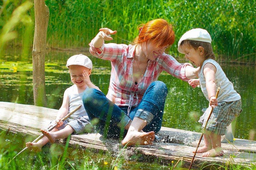 рыбалка с детьми на улице