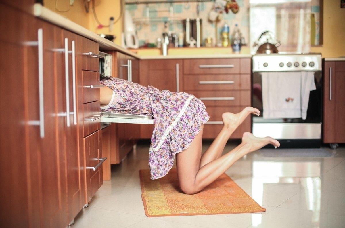 Смешные картинки девушек на кухне