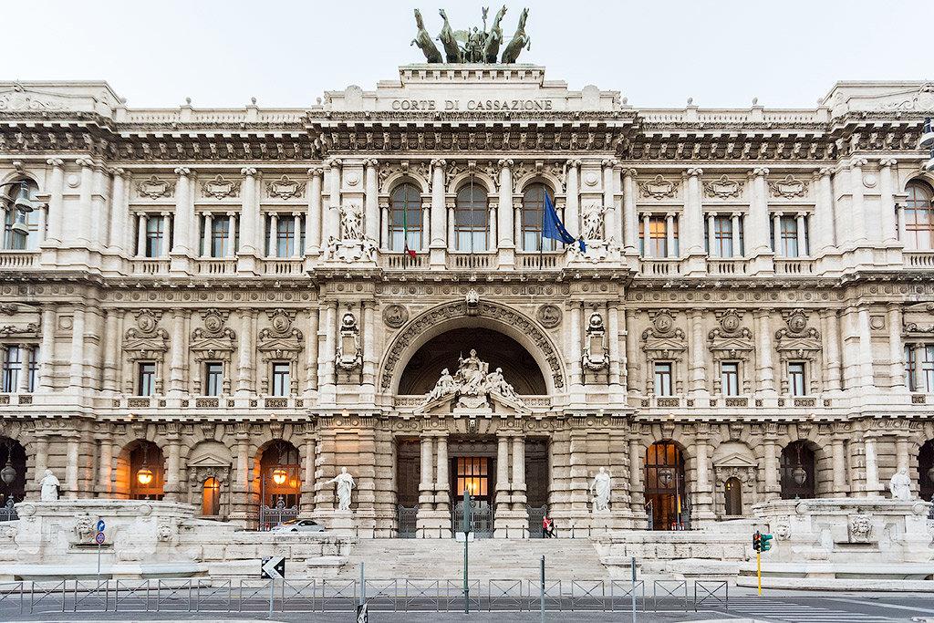 множество лучшие фото дворцов италии нарын кала сохранила