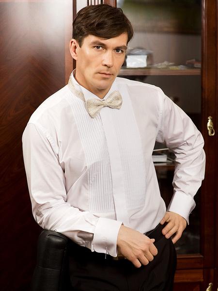 белая рубашка и белая бабочка фото