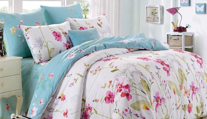 Нежное бело-голубое постельное белье с орхидеями