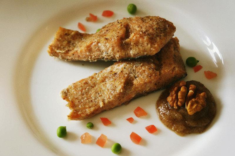 рыба под ореховым соусом с фото лестница