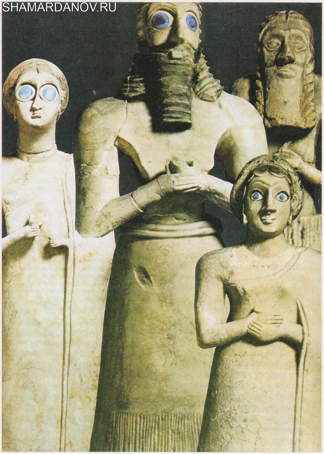 Статуя молящихся шумеров (просителей) из храма Аб-у в Эшнуне (гипс, 2800—2600 до н.э.; Багдад, Иракский музей; Чикаго, Восточный институт)